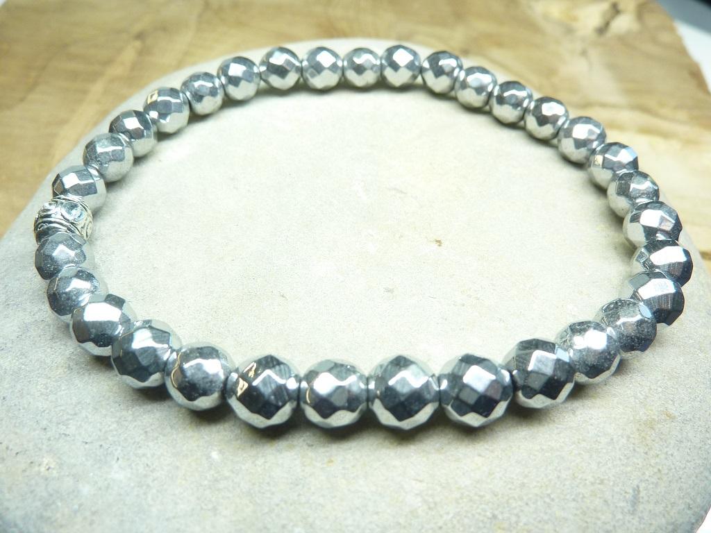 Bracelet Hématite en perles à facettes 6 mm