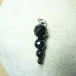 Pendentif Spinelle noir 10-4 mm