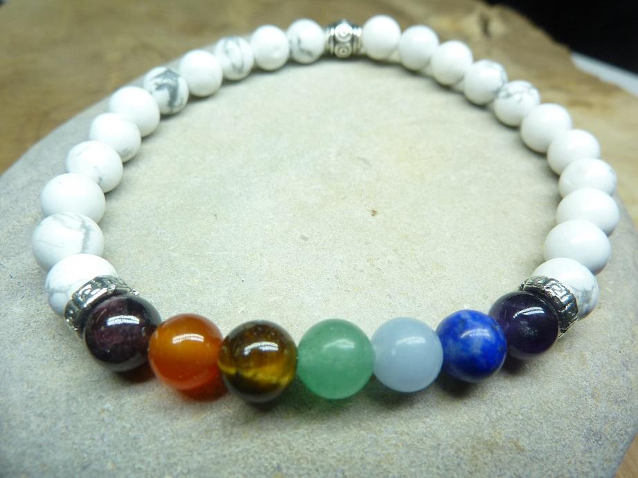 Bracelet Howlite - Chakras - perles rondes 6 mm