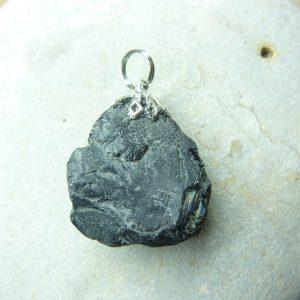 Pendentif Spinelle noir Brut 12,3 gr ref 1427