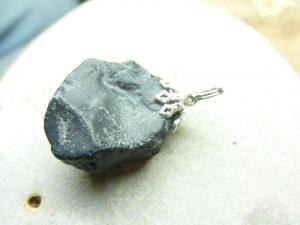 Pendentif Spinelle noir Brut 11,7 gr ref 2333