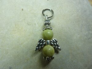 Pendentif Péridot-Ange - Perles rondes 6 mm