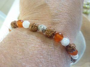 Bracelet Pierre de lune-Cornaline-Rudraksha perles rondes 8-6 mm
