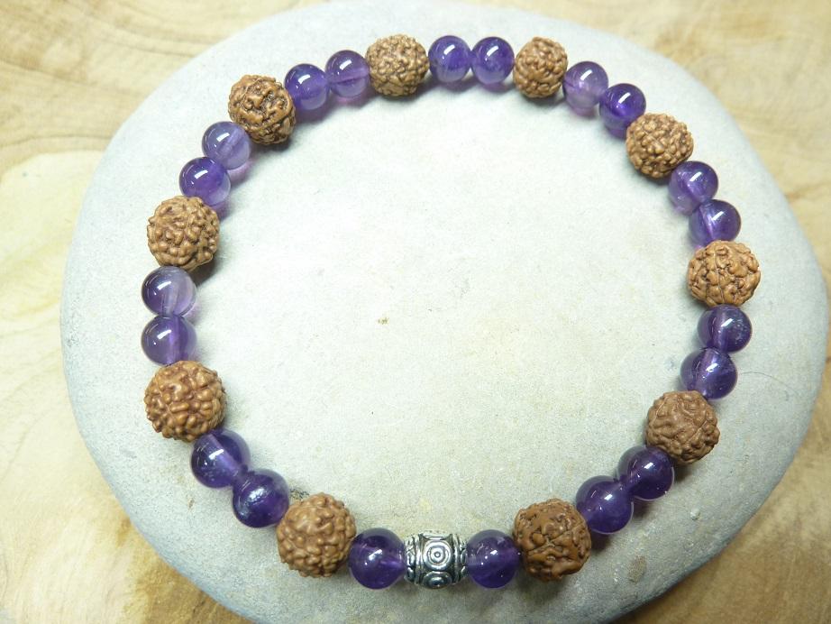 Bracelet Améthyste-Rudraksha perles rondes 8-6 mm
