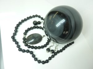 Pierre et Vertus Obsidienne
