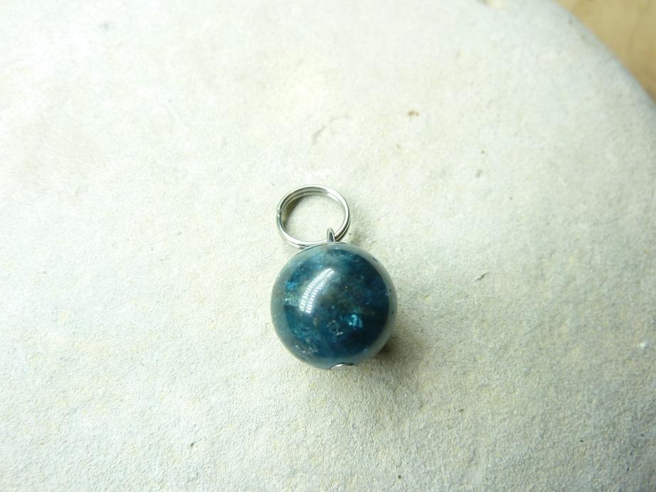 Pendentif Cyanite kyanite disthène - Perles ronde 10 mm