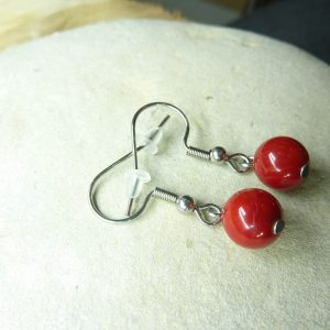Boucles d'oreilles Corail rouge - perles rondes 7,5 mm
